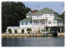 Waterfront home on Crystal River.